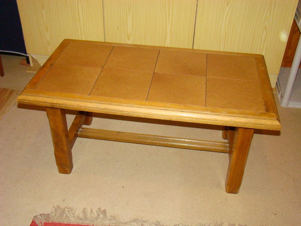 TABLE BASSE DE SALON en bois (dessus carrelage uni) Meubles