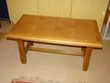 TABLE BASSE DE SALON en bois (dessus carrelage uni) Loivre (51)