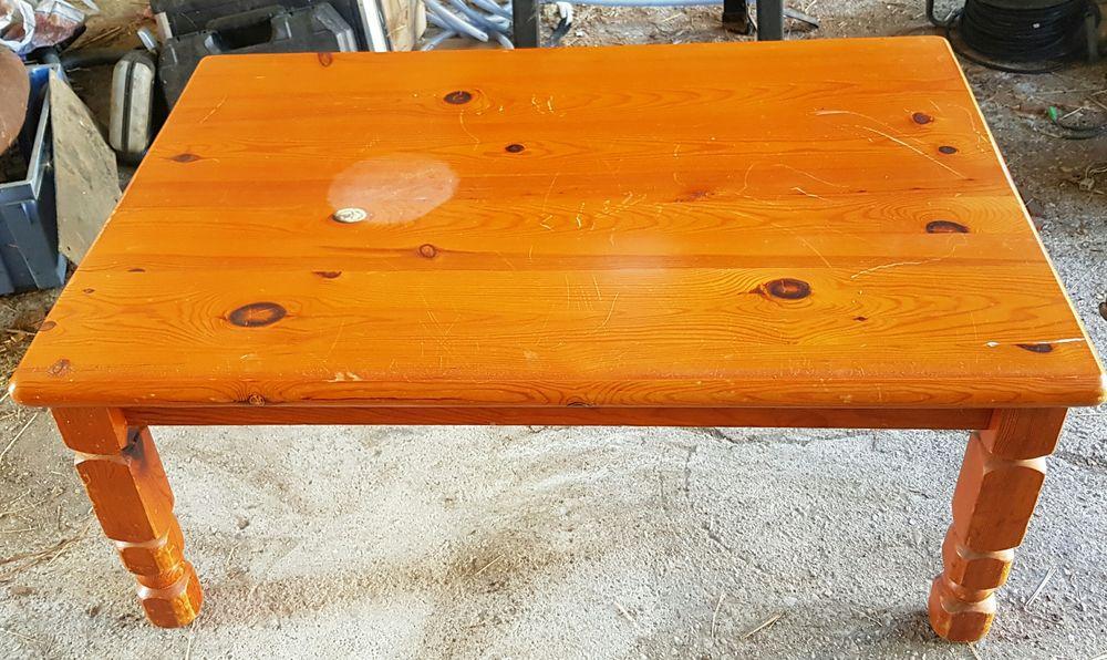 Table basse de salon en pin massif Meubles