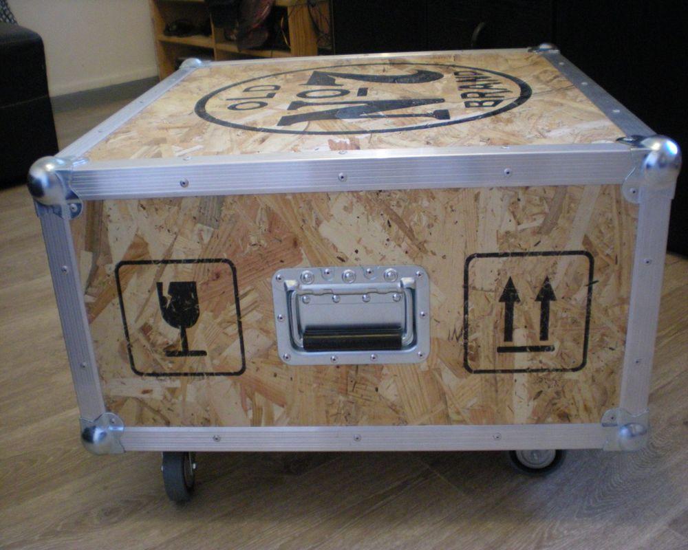 Table basse de salon style indus avec logo jack 250 Douai (59)