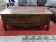 Table basse style Louis XV merisier massif 1 tiroir