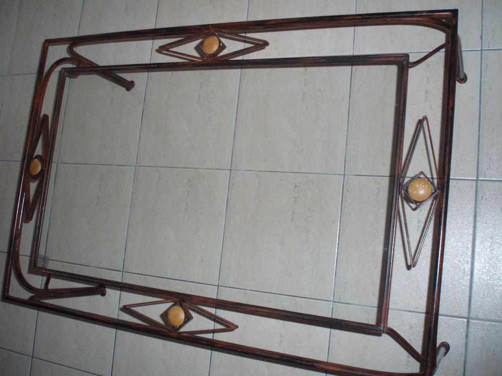 Table basse en verre et fer 55 Hautefage-la-Tour (47)
