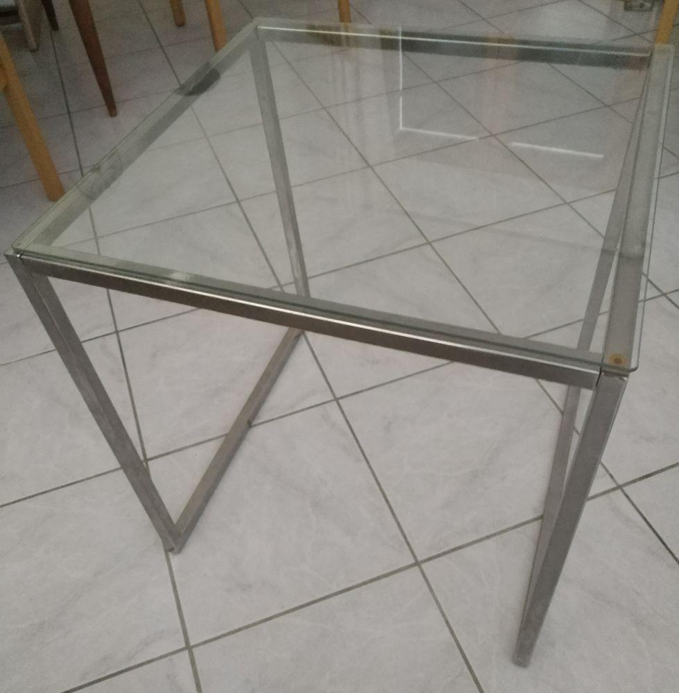 Table basse en verre 10 Lyon 8 (69)