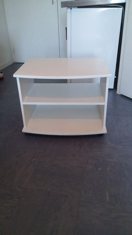 Achetez table basse ou tv occasion annonce vente le mans 72 wb156008604 - Table basse jardin metal le mans ...
