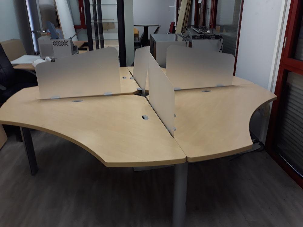 table bèche pour trois personne en bois avec séparateur 490 Villeurbanne (69)