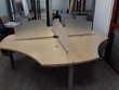 table bèche pour trois personne en bois avec séparateur