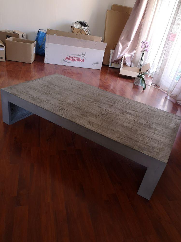 Table en béton ciré  400 Annecy (74)