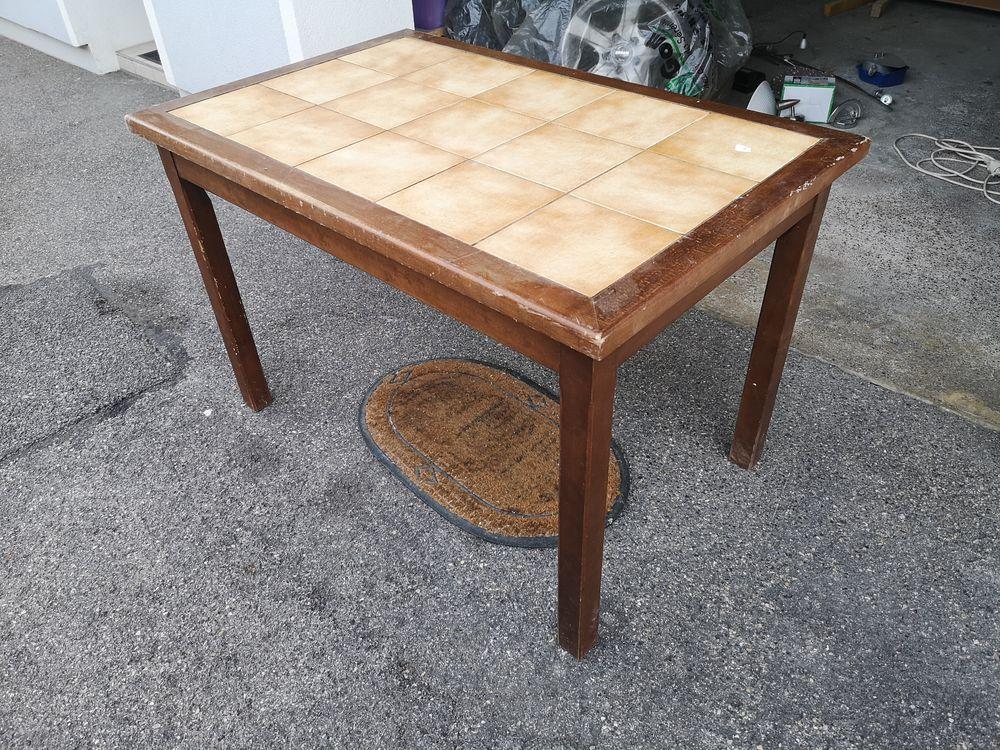 Table Bistro en bois massif carrelée 70 x 110 20 Chavanod (74)