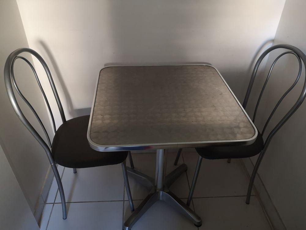 TABLE BISTROT AVEC 2 CHAISES 30 Boulogne-Billancourt (92)