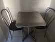 TABLE BISTROT AVEC 2 CHAISES Meubles