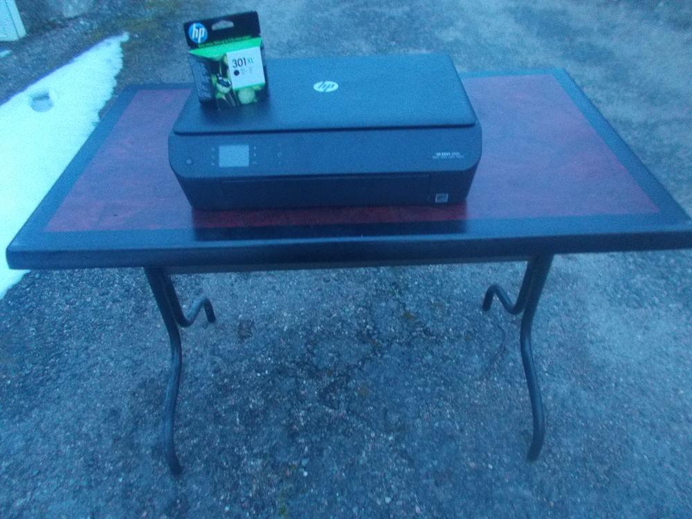 table bistrot et imprimante hp faire prix  135 Saran (45)
