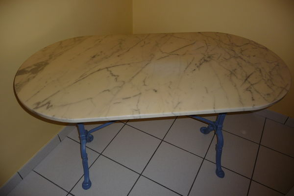 Achetez table bistrot ovale occasion annonce vente for Table en marbre occasion