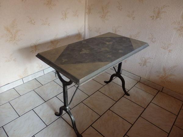 tables de bistrot occasion dans le centre annonces achat. Black Bedroom Furniture Sets. Home Design Ideas