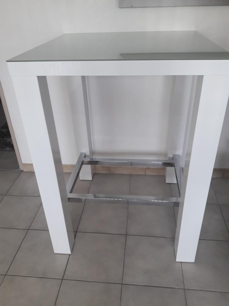 table blanc laqué dessus verre 90 Riedisheim (68)