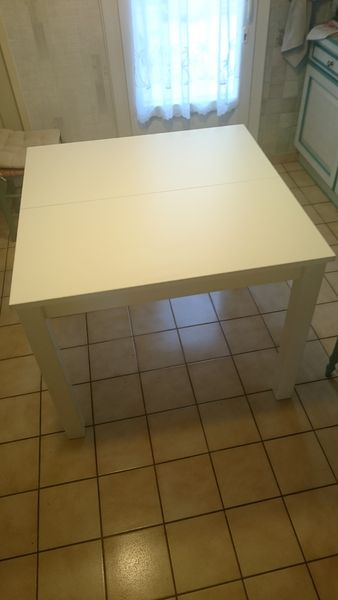 Table blanche 70 Noyal-sur-Vilaine (35)