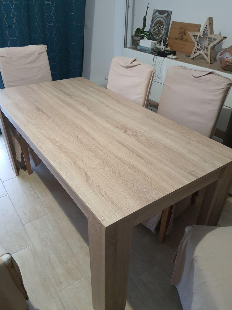 lot table en bois 160x80x75 et 6 chaises henriksdal 200 Champs-sur-Marne (77)