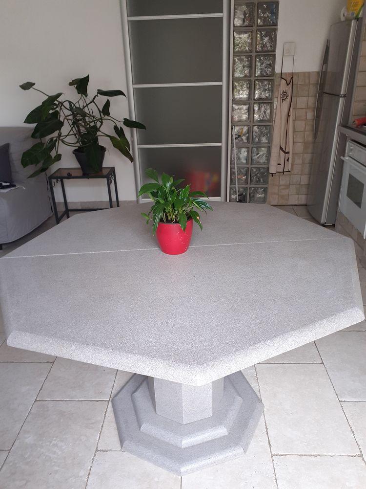 Table (bois aggloméré) couleur grise 90 Sainte-Maxime (83)