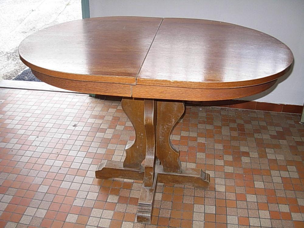 Table en bois avec mécanisme de rallonge.  180 Chambéry (73)