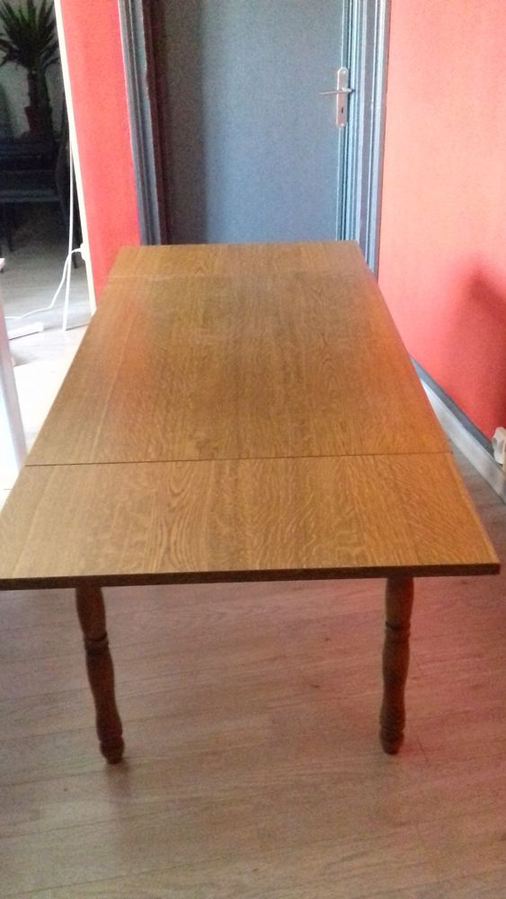 TABLE BOIS  AVEC RALONGE  15 Francin (73)