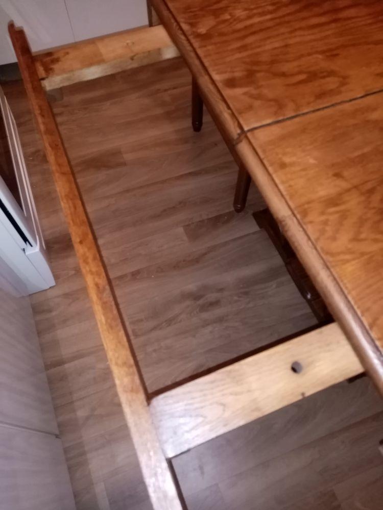 Table en bois avec rallonges et 4 chaises  80 Charleville-Mézières (08)