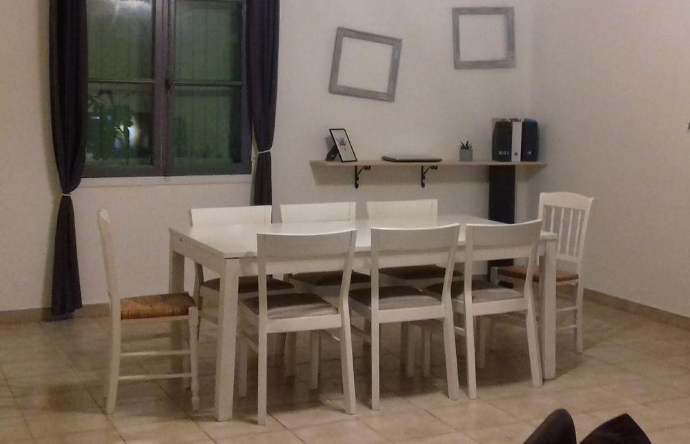 TABLE BOIS AVEC 2 RALLONGES+6CHAISES  170 Pauillac (33)