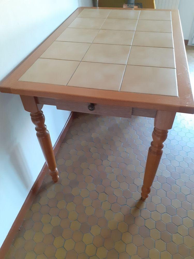 table en bois avec tiroir 50 Brignais (69)