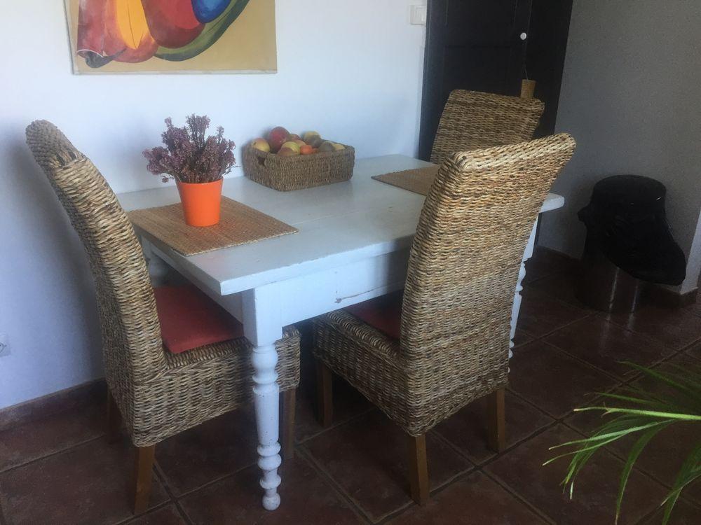 Table bois blanche avec grand tiroir  40 Ceyreste (13)