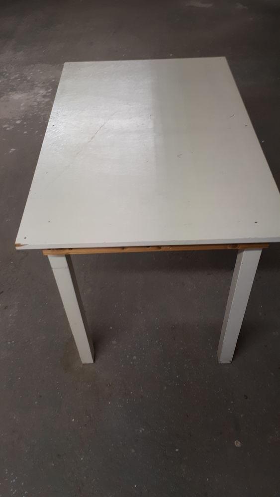 Table bois, blanche 15 Prades (66)