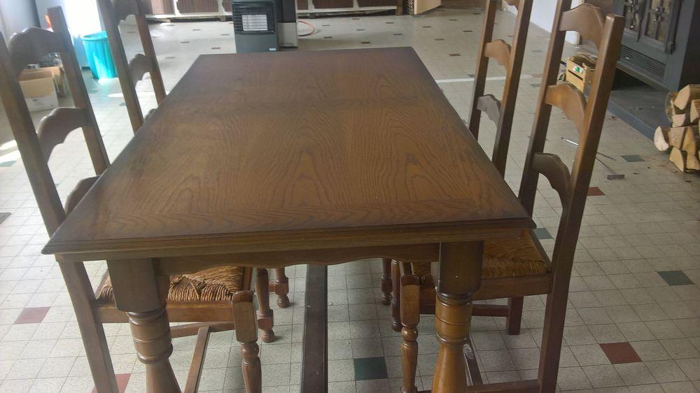 TABLE EN BOIS + 6 CHAISES ASSISES EN PAILLE 60 Villeurbanne (69)