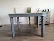 Table en bois (chêne)  Couleur gris souris.  Montamisé (86)