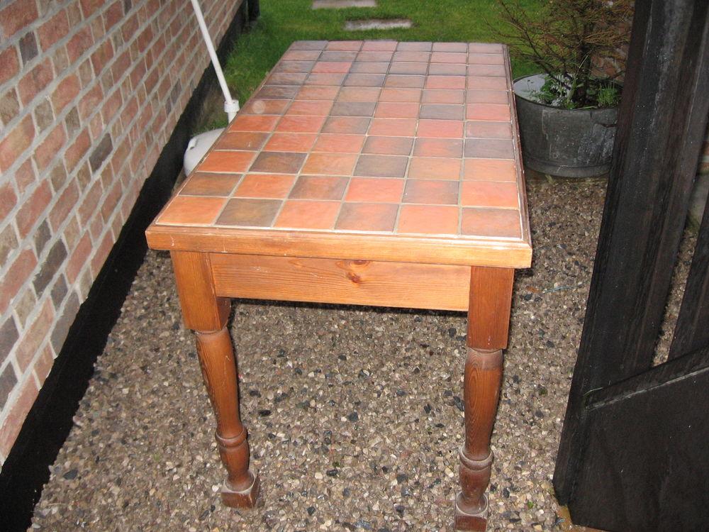 Table en bois massif  40 Rumegies (59)
