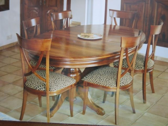 TABLE BOIS MASSIF EN MERISIER    6 CHAISES    750 Sainte-Maxime (83)