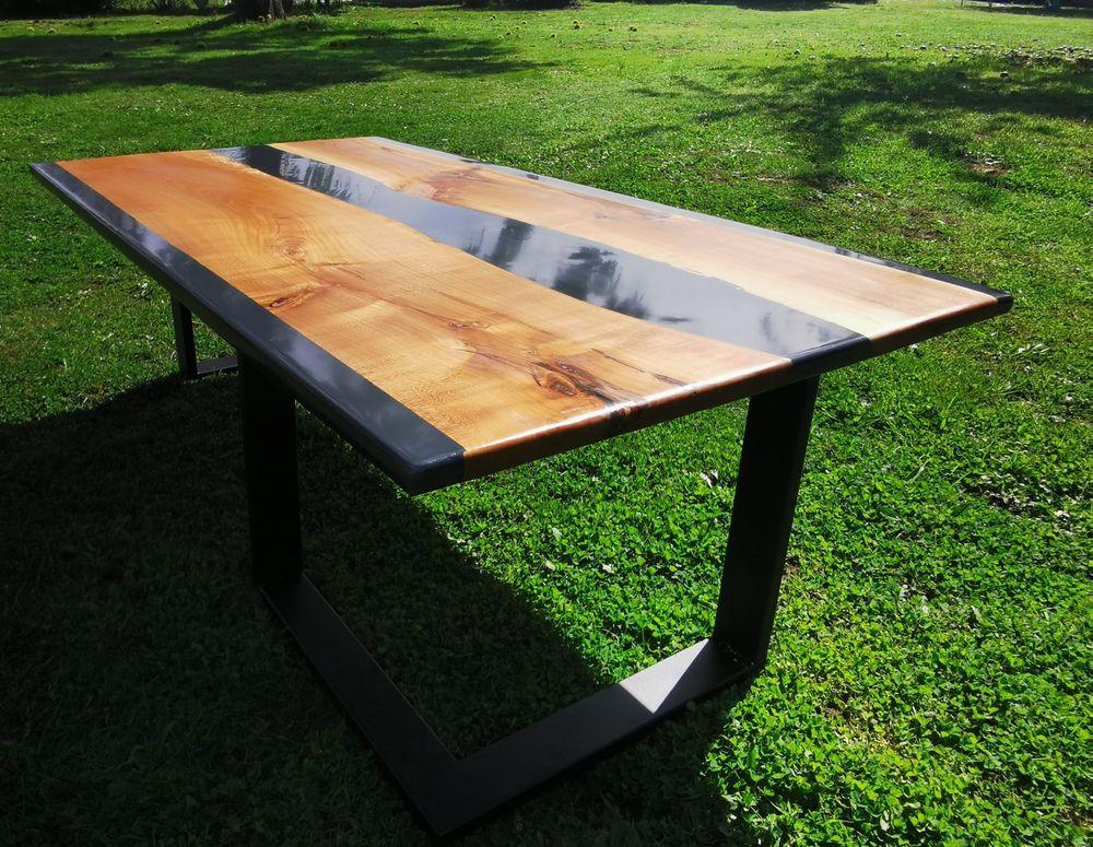 Table en bois de merisier et résine d'époxy 200 Saint-Priest-sous-Aixe (87)