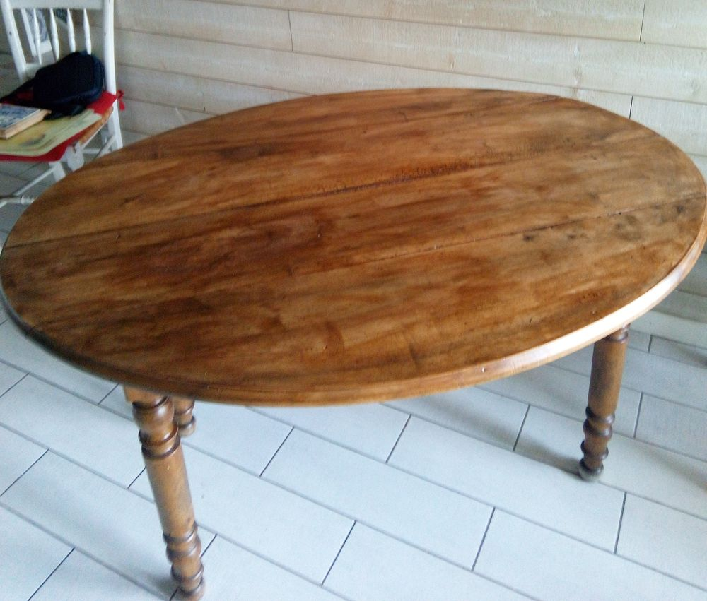 table bois ovale noyer 65 Vaulx-en-Velin (69)