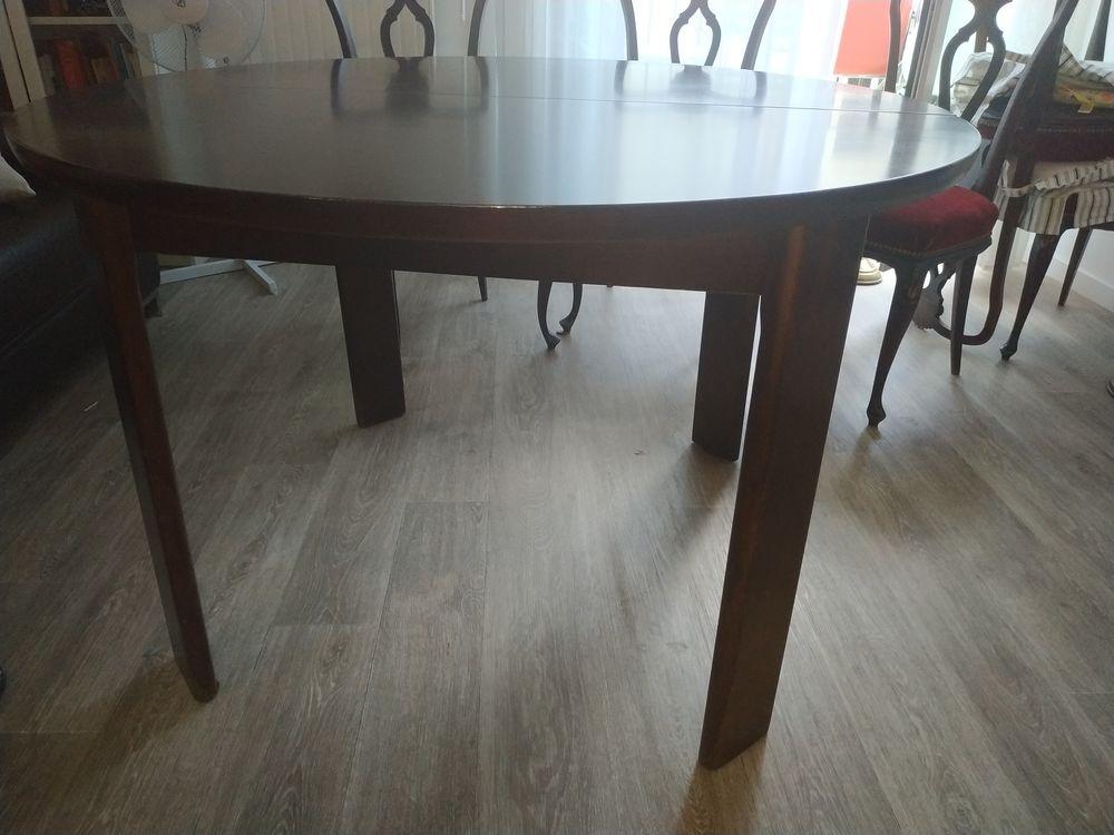 Table en bois ronde avec rallonge intégrées !! 300 Colombes (92)