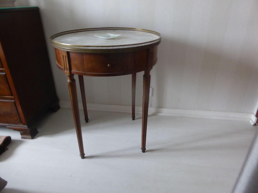 table bouillotte style louis XVI dessus en marbre blanc 0 Villenave-d'Ornon (33)