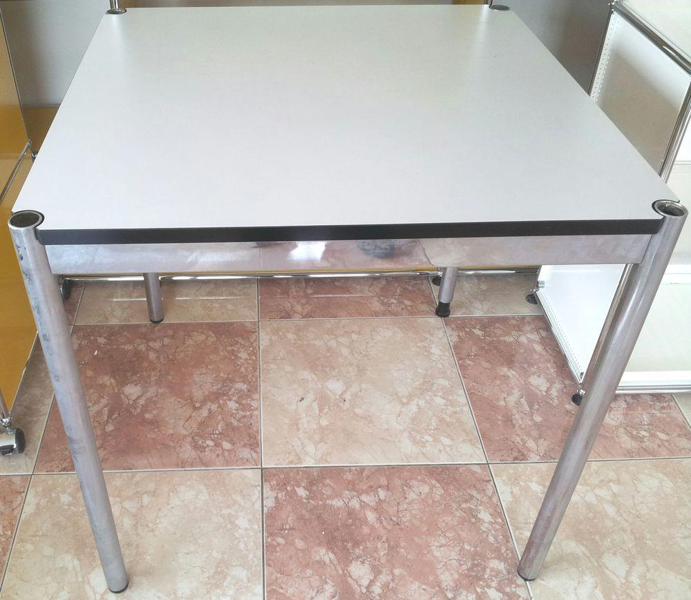 table / bureau carré usm haller blanc ou rouge 295 Provins (77)