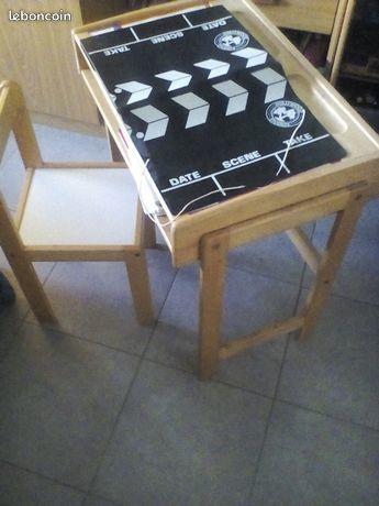 TABLE BUREAU ENFANT NEUF 8 € 8 Nice (06)