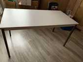 Table de bureau 140 x 70 très bon état  20 Soisy-sous-Montmorency (95)