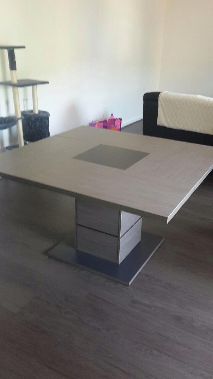 table carré 8 place 250 Terrenoire (42)