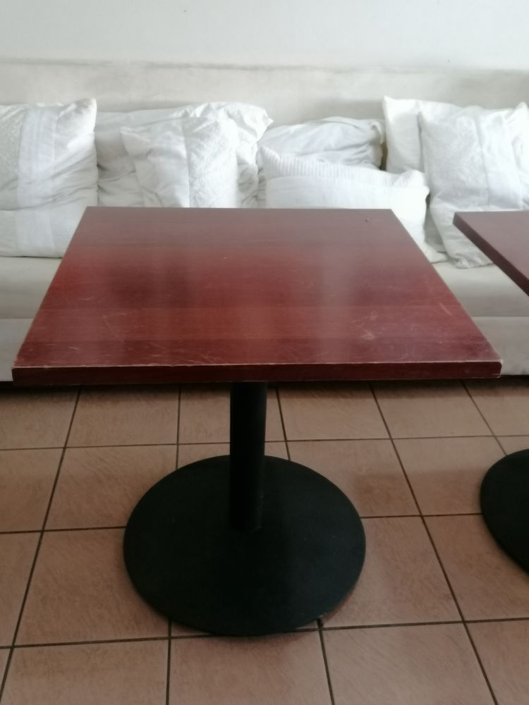 table carré 300 Sète (34)