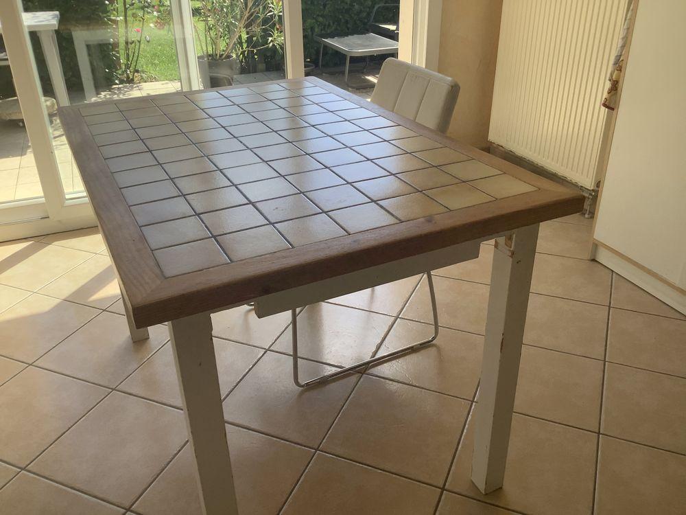 table carrelée fabrication maison Meubles