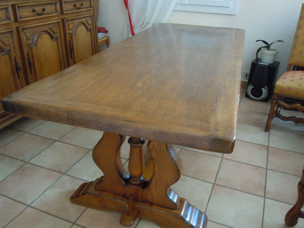 table et chaise en chêne très bon état   200 Montigny-sur-Loing (77)