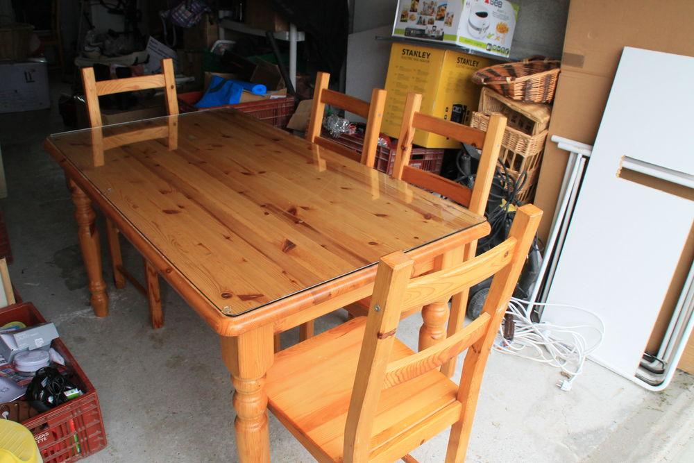 tables en pin occasion nantes 44 annonces achat et vente de tables en pin paruvendu. Black Bedroom Furniture Sets. Home Design Ideas