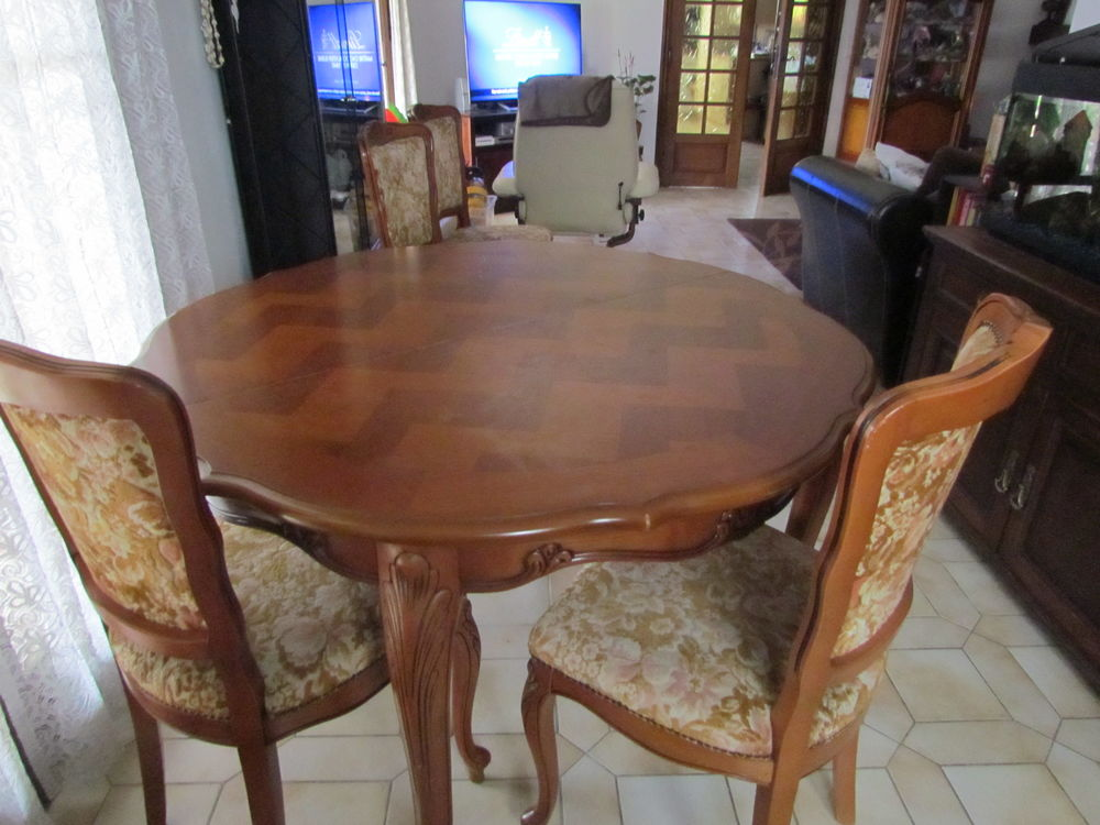 table %2B chaise  60 Grasse (06)