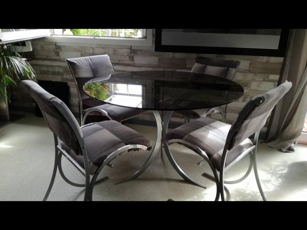 table et chaises des annees 70 300 Val-de-Reuil (27)