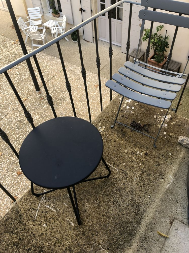 Table et chaises balcon  0 Villeneuve-lès-Avignon (30)