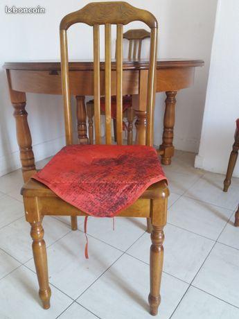 Table +chaises bois massif qui appartenait à ma grd mère. 0 Paris 20 (75)