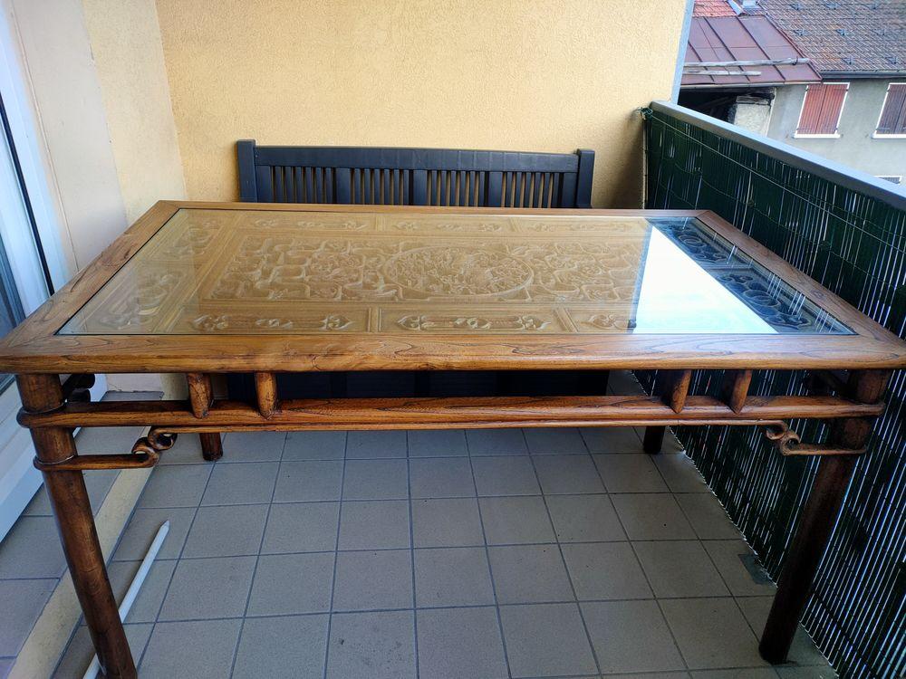 table et chaises chinoises gravée 1500 Aime (73)