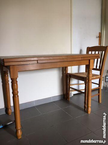 Table et chaises de cuisine 40 Avon (77)